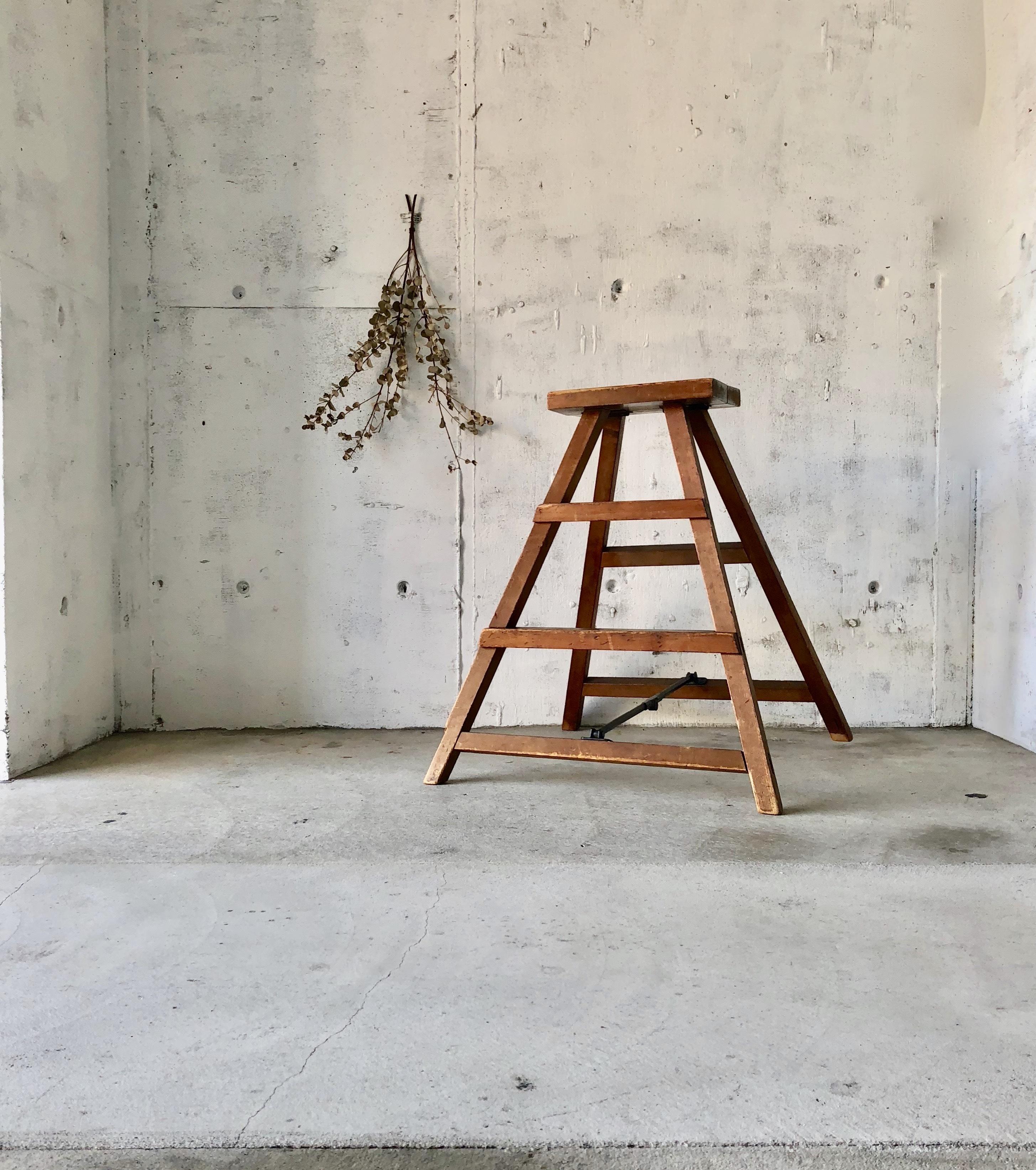 木製のステップラダー[古家具]