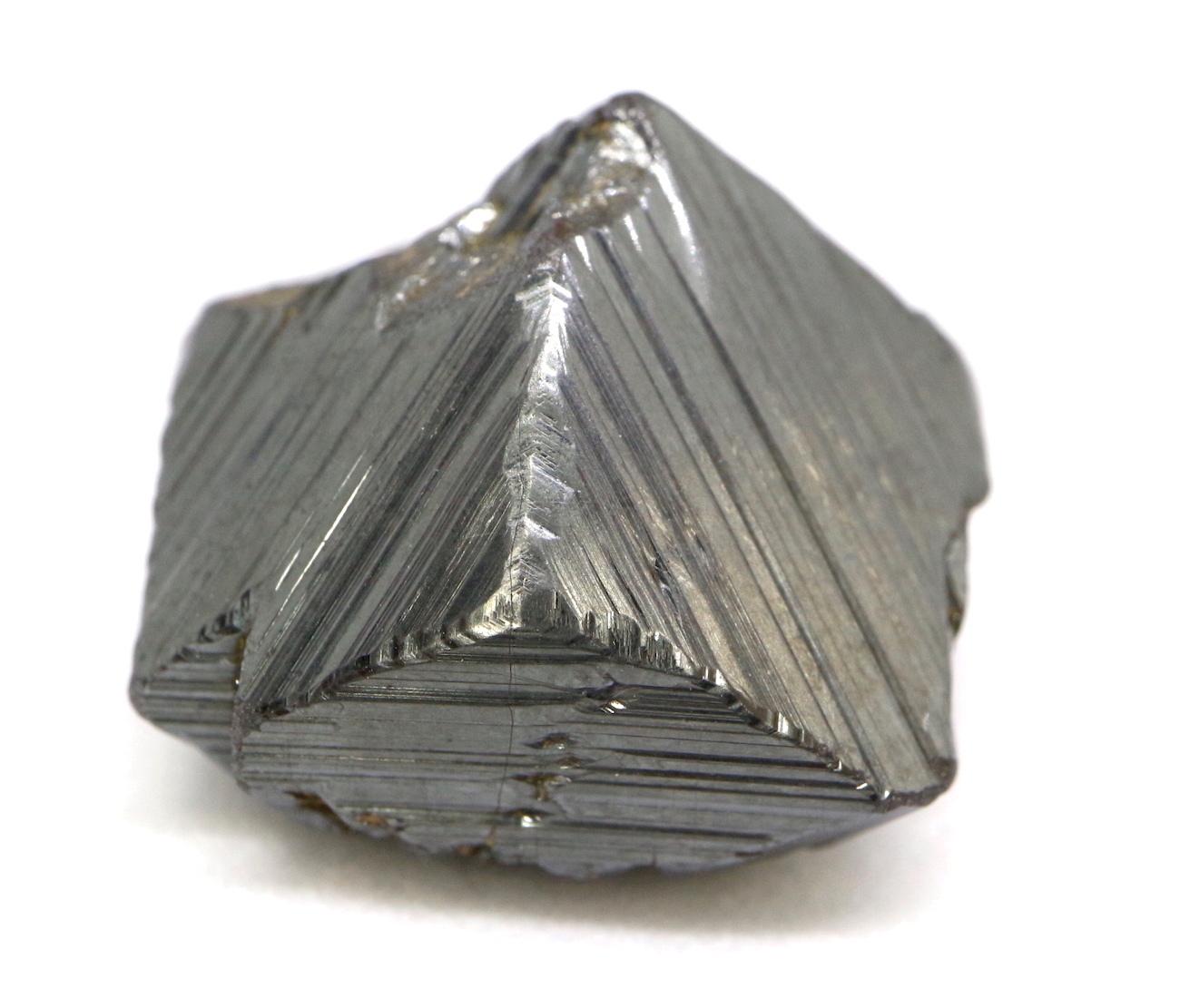 マグネタイト クリスタル 磁鉄鉱 ユタ州産 11g MGT002