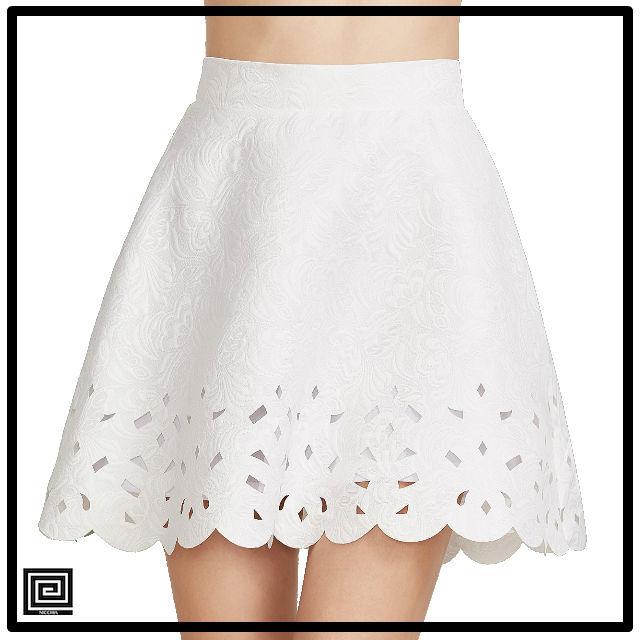 ホワイトホタテレーザーカットアウトAラインスカート