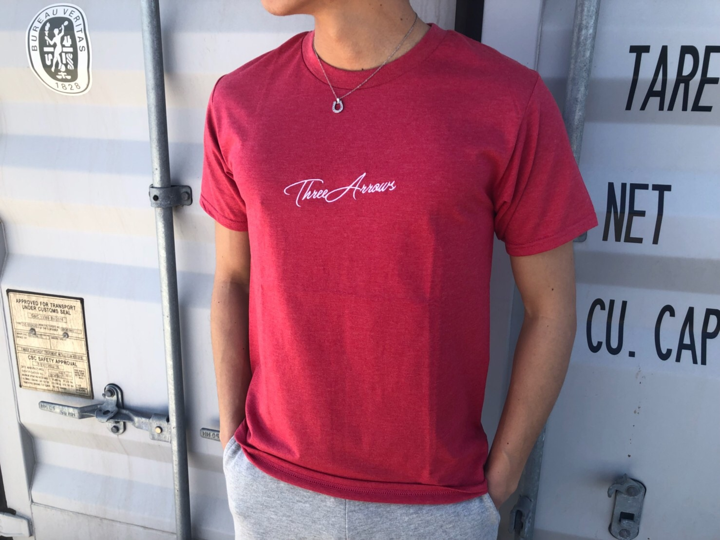 ThreeArrows刺繍メッセージTシャツ(red)