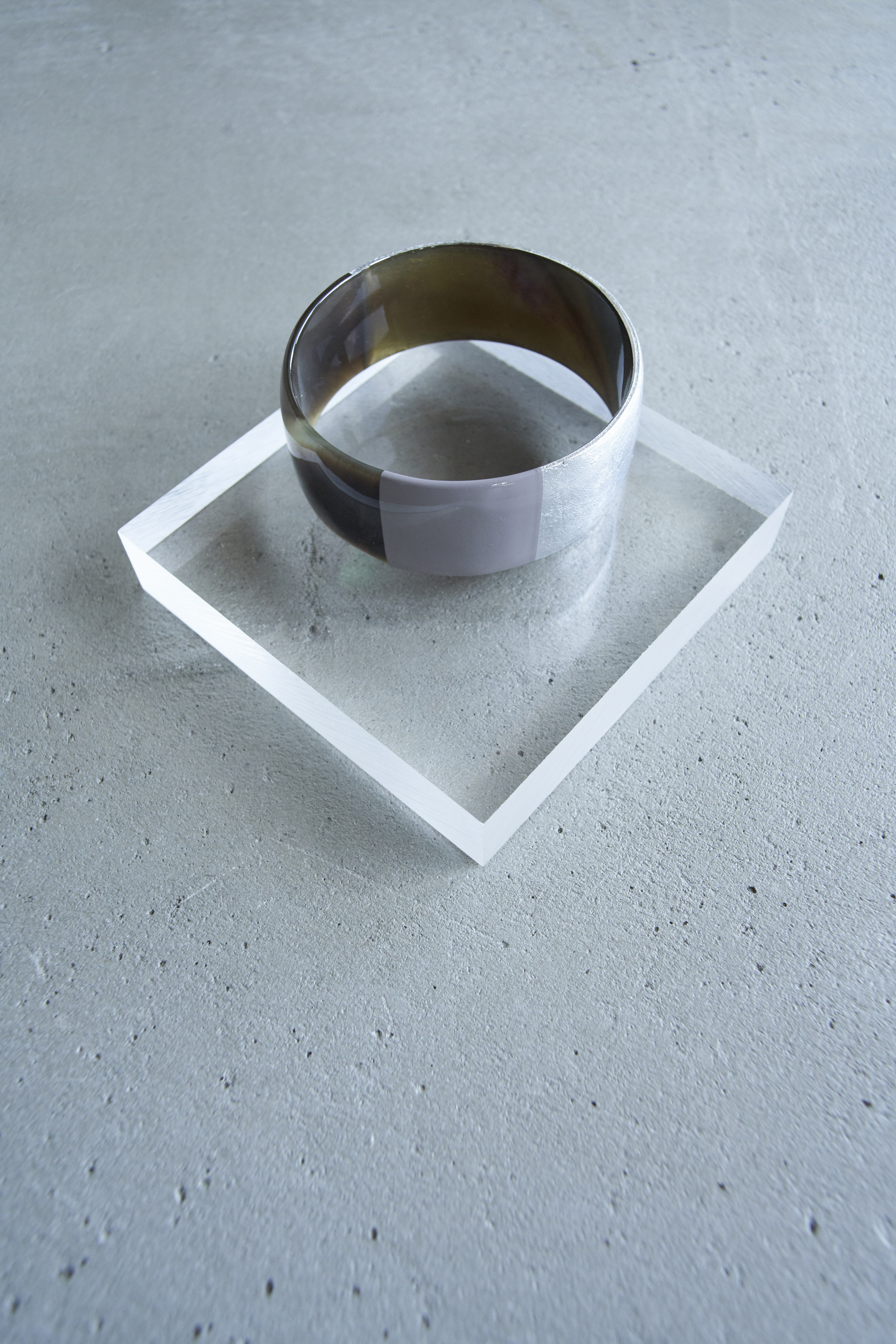 L'INDOCHINEUR SHINY GRAY AND COFFEE Bangle