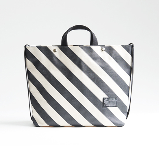 shoulder tote bag/black × stripe ショルダートート/ 墨 x 縞