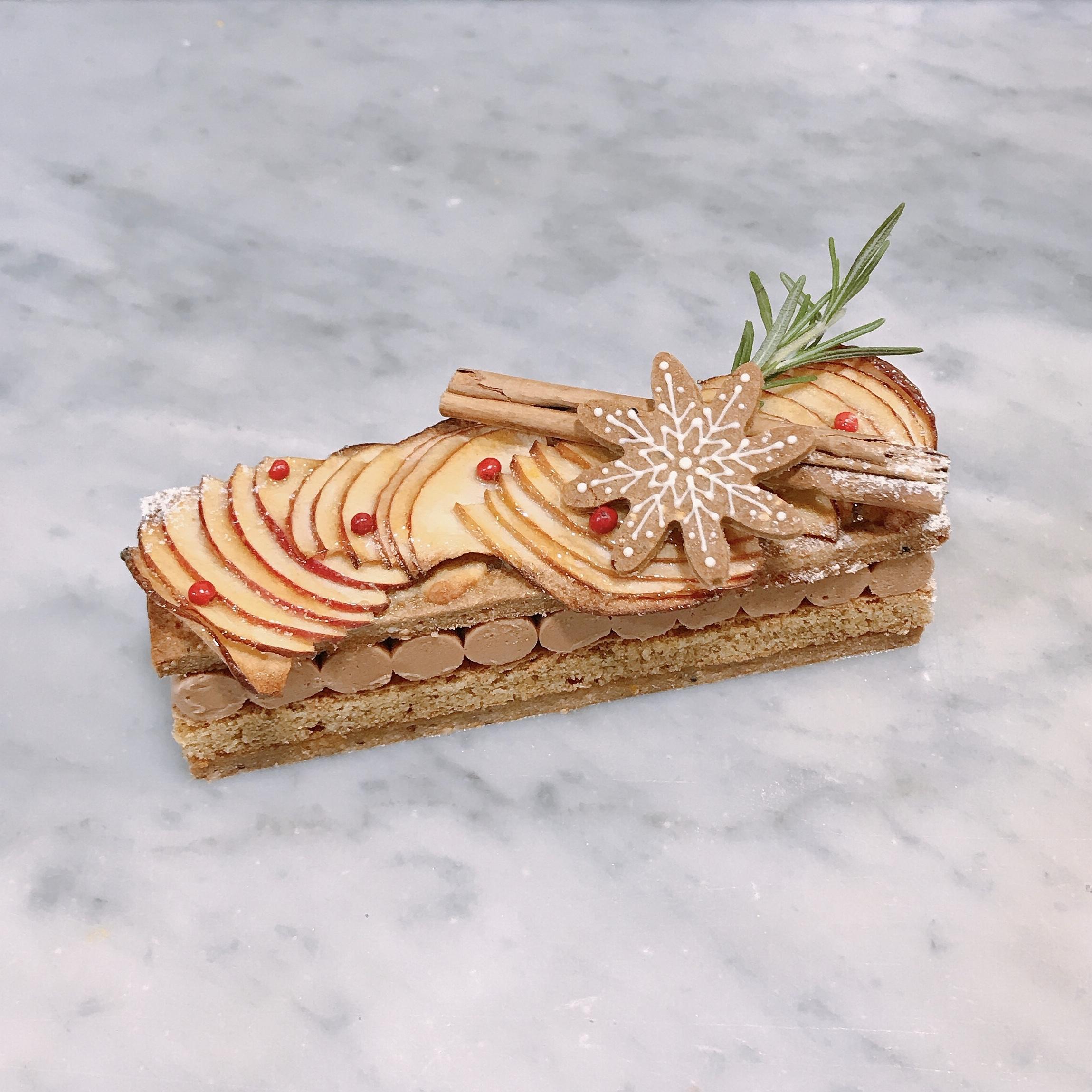 クリスマス限定商品【りんごとスパイスのケーキ】