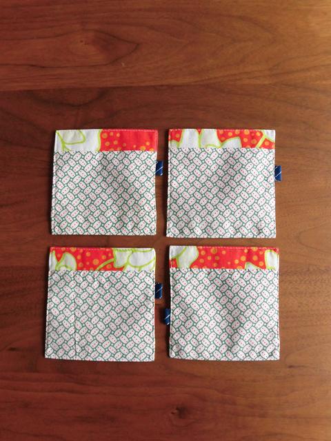 manokoko リバーシブルコースター 【red flower】 ハンドメイド 雑貨