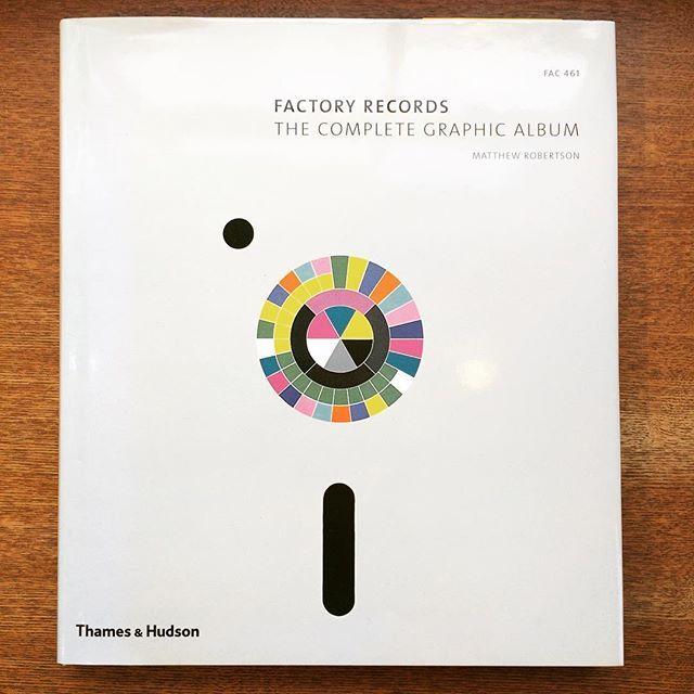 音楽の本「Factory Records: The Complete Graphic Album」 - 画像1