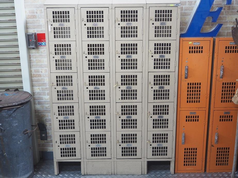 品番0196 ロッカー / Locker 011