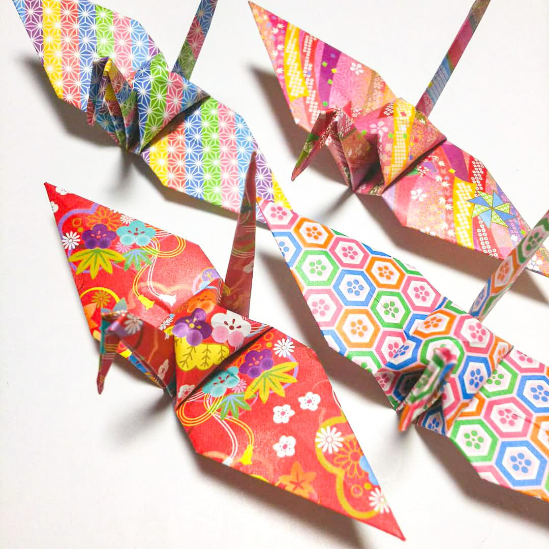 【受注制作】フルサイズの折り鶴「一姫二太郎」(七五三などの撮影小物、店舗ディスプレイ)120羽