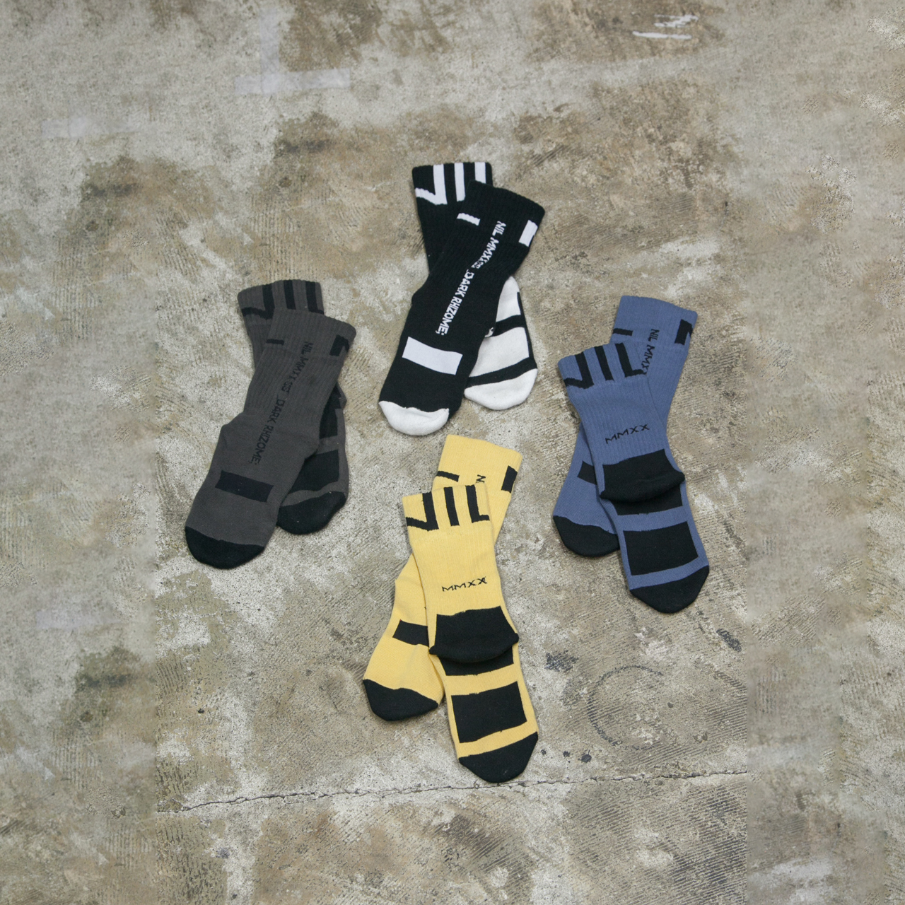 700ACU1-BLACK / CHARCOAL / BLUE GRAY / LIGHT YELLOW / NIL ソックス