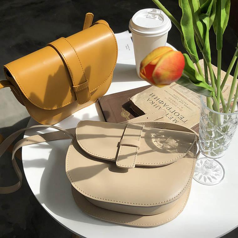 【送料無料】 旬のころんとシルエット♡ ラウンド型 ハーフムーン レザー調 PU ミニサイズ ショルダーバッグ
