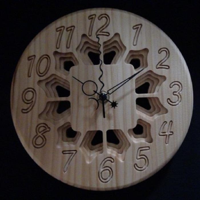 【花模様の立体彫り掛け・置き時計】プレゼントとしてもおしゃれ