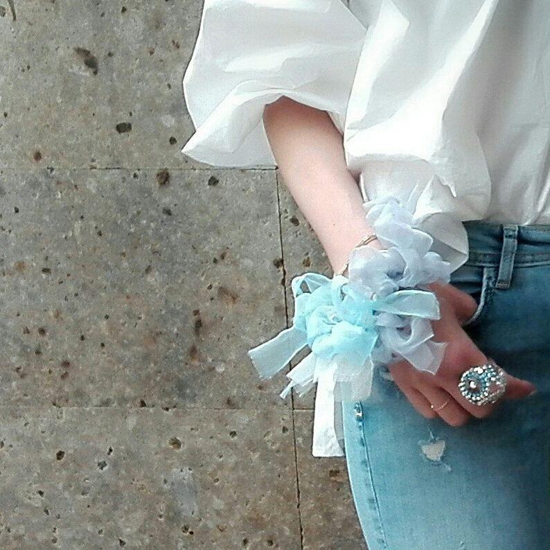 ワスレナグサ~彩る咲き編みシュシュ