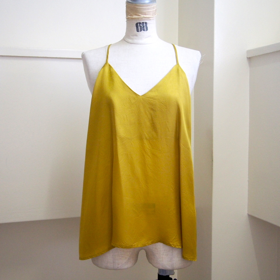 【hippiness】cupro  Vneck camisole(mustard) /【ヒッピネス】キュプラ Vネック キャミソール(マスタード)