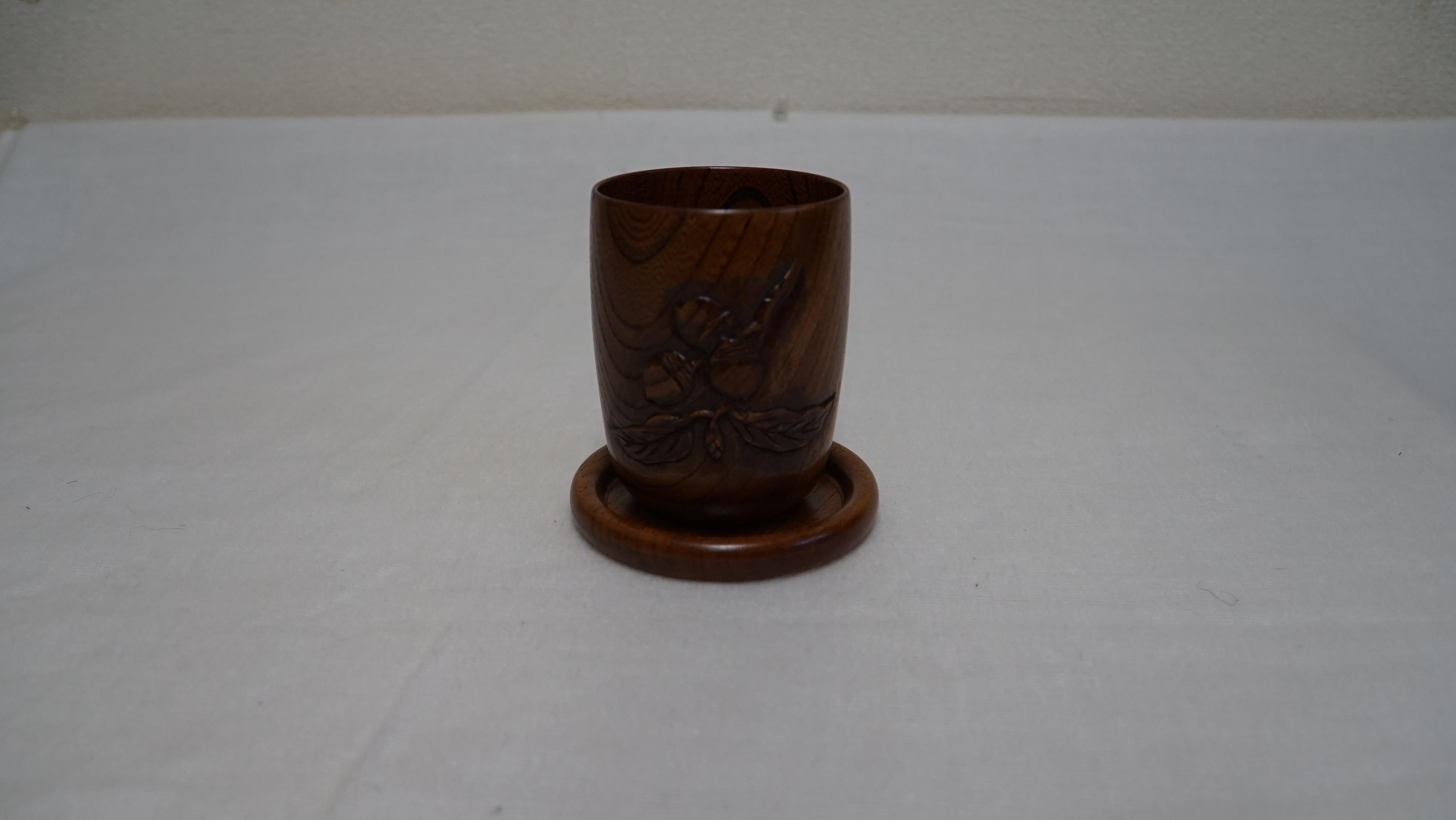 カップ(彫刻入り)