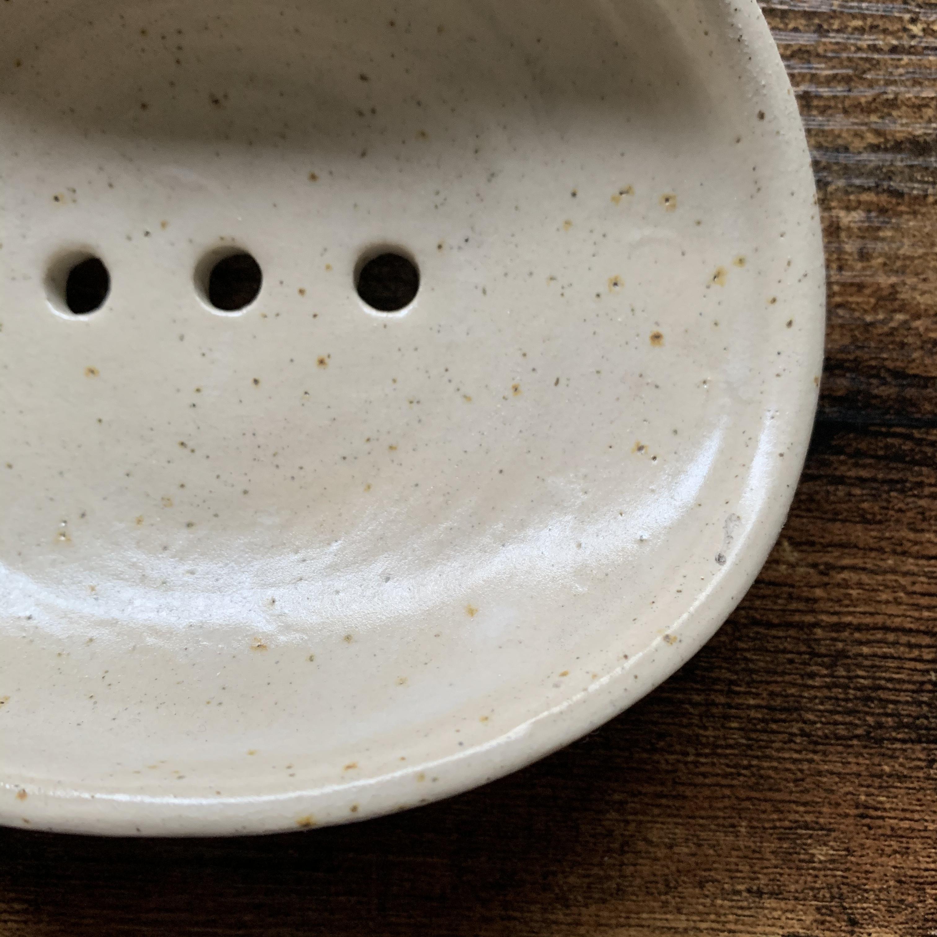 """  Handmade White Clay Soap Tray / ハンドメイド ホワイトクレイ ソープトレイ """