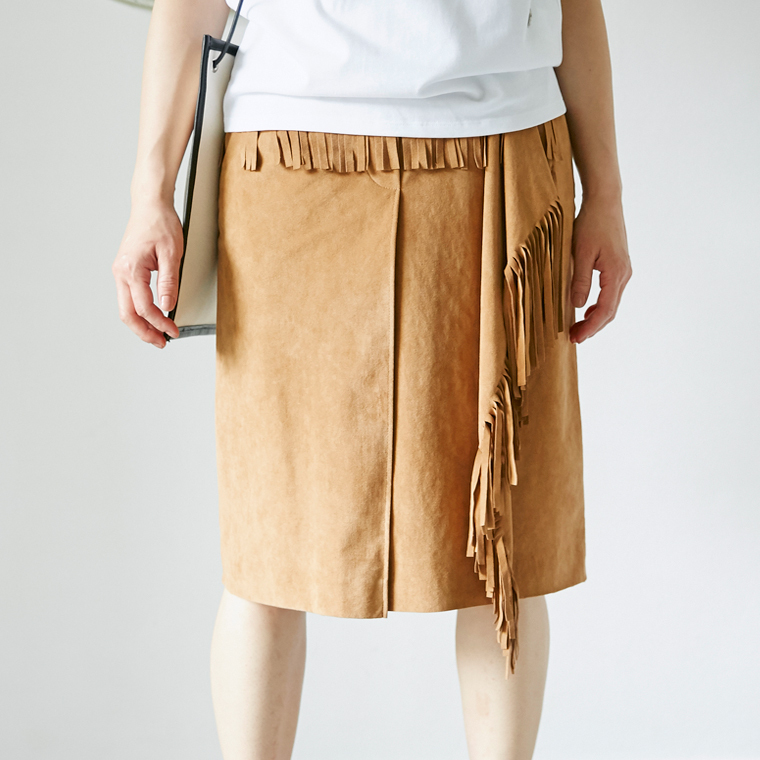 Mannequins JAPON(マヌカンズ ジャポン) フェイクスエード フリンジタックミディスカート