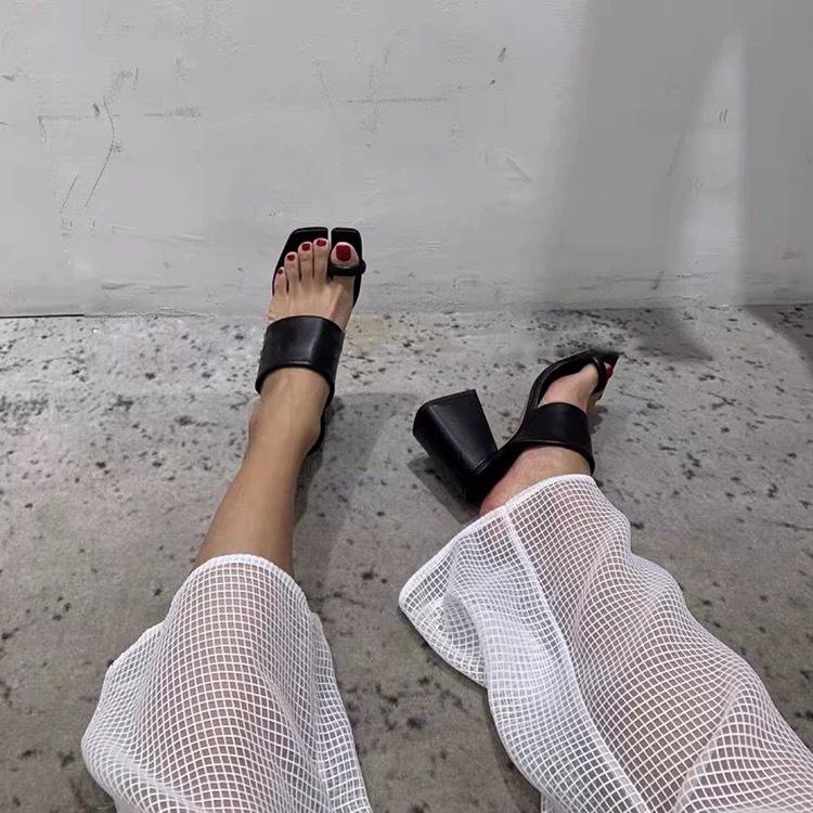 unique toe design sandals