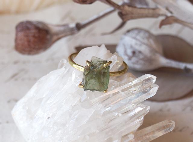 K様オーダー 原石のモルダバイトのリング