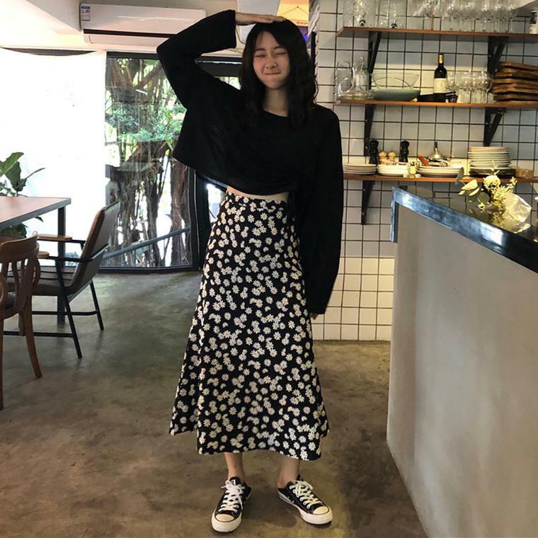 【送料無料】モノトーンな花柄コーデ ♡ 2点セット セットアップ ギャザー ショート トップス × ロングスカート