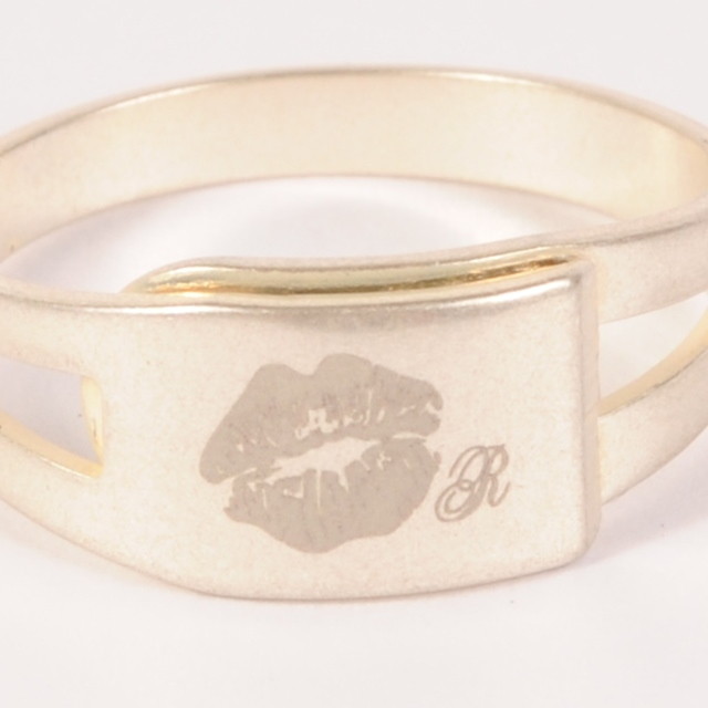hs19SS-JR08 KISS RING (silver)