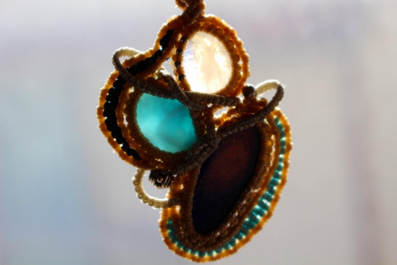 Lapis lazuli & Larimar & Rainbowmoonstone macrame pendant