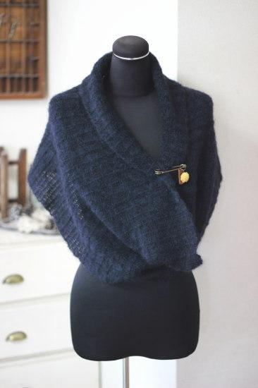 手編み*スヌード ブラック カボションピン付き/sakura 型番:Z-8