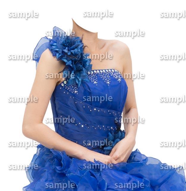 女性青いドレス斜めB
