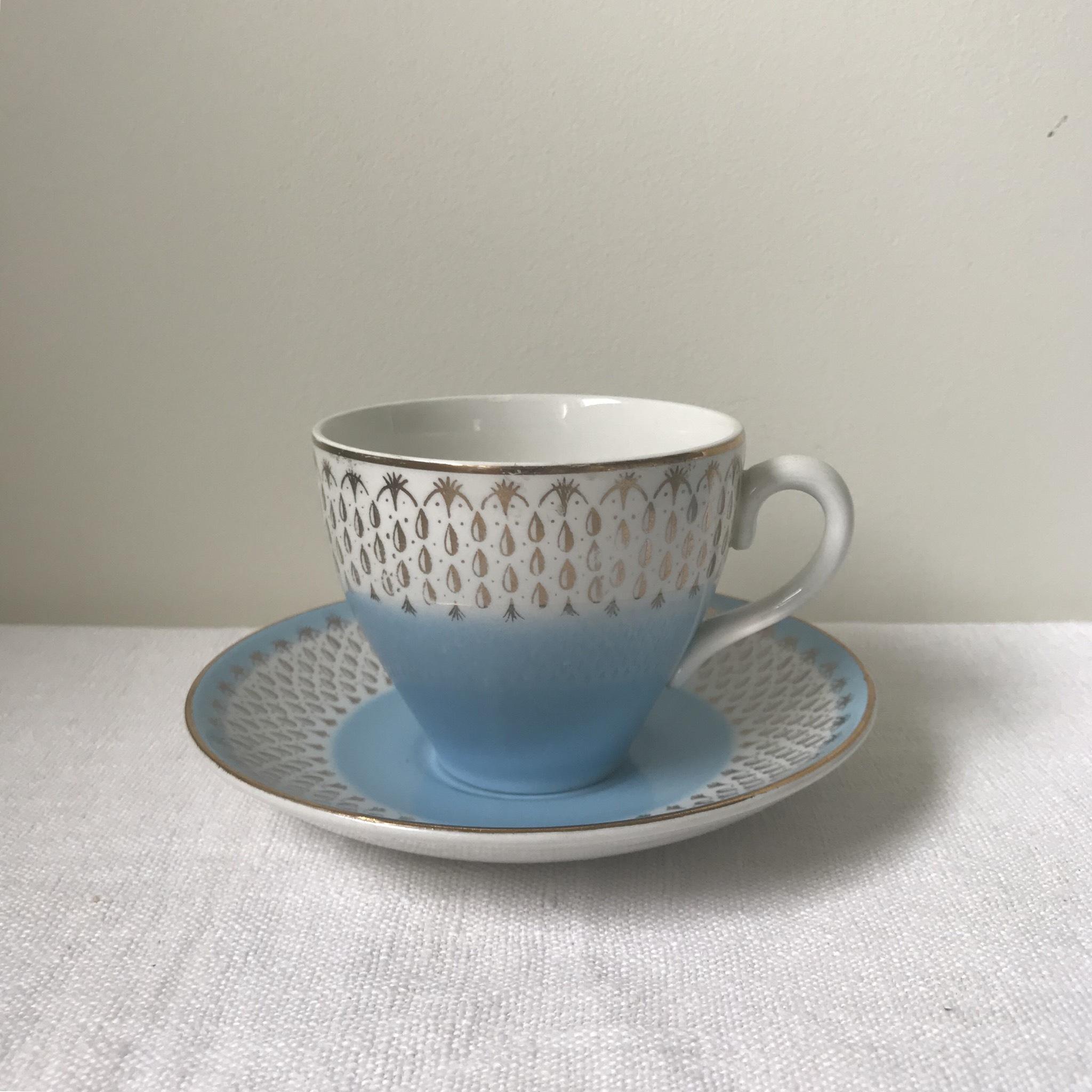 レインドロップ柄のカップ&ソーサー