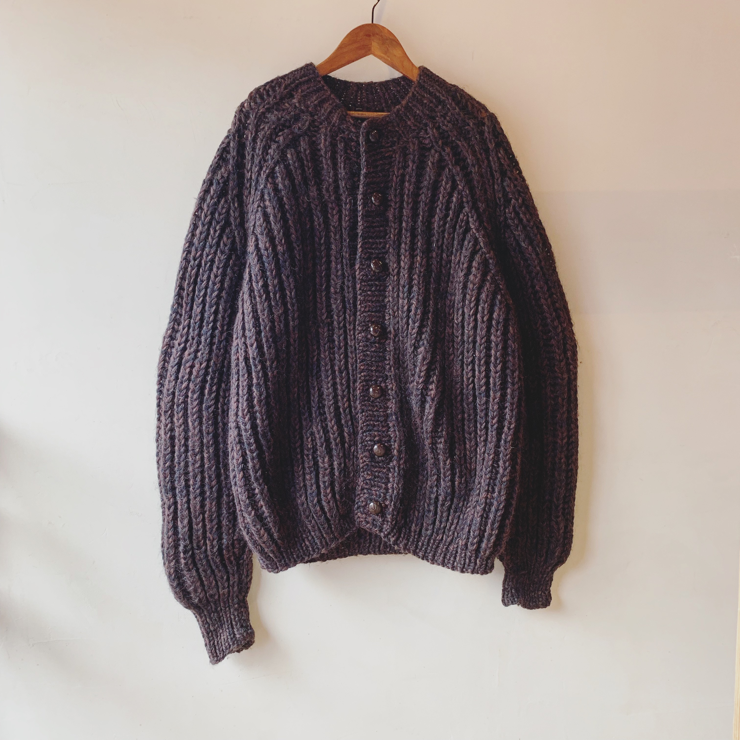 vintage hand knit widesized cardigan