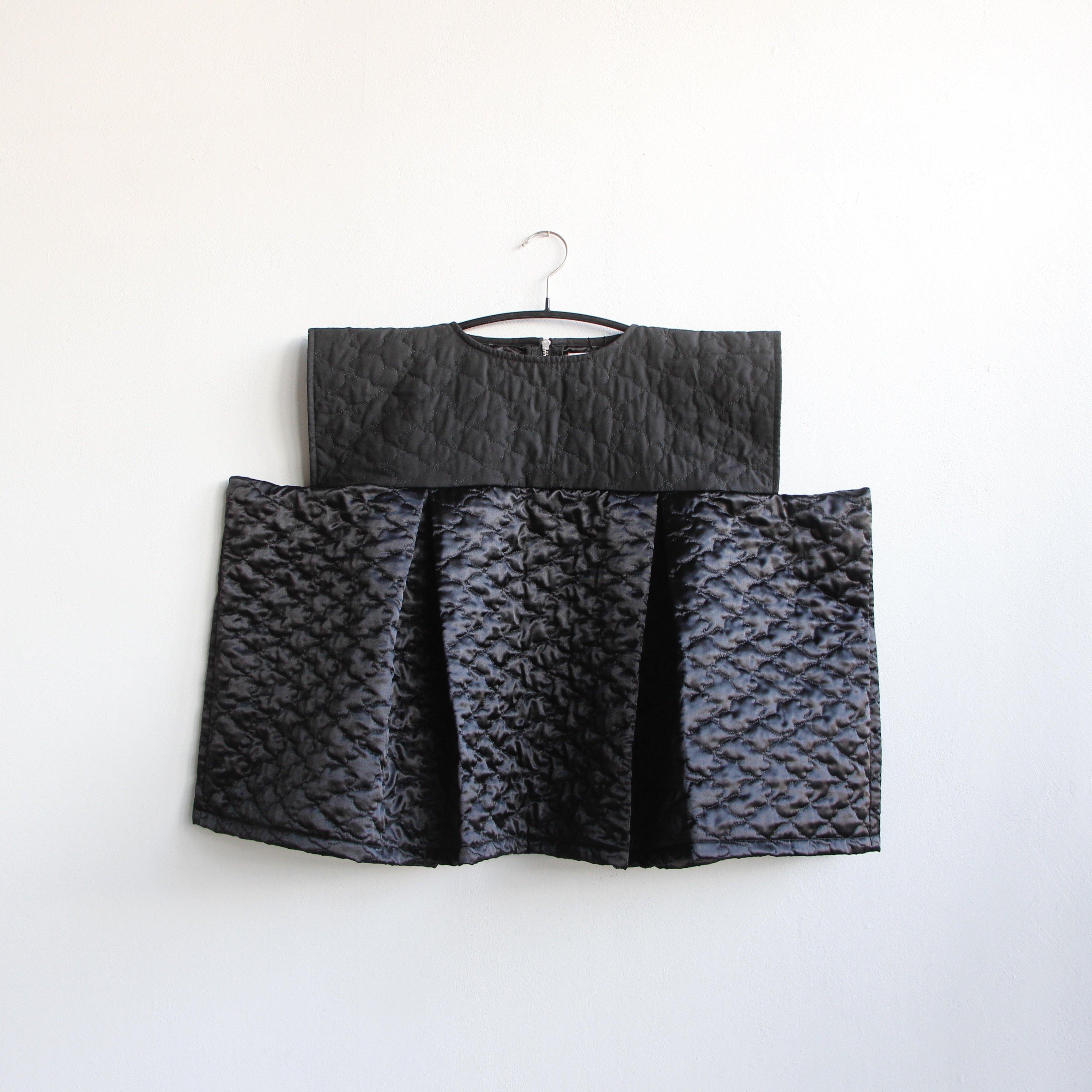 《frankygrow 2020AW》BEAR QUILTING SQUARE DRESS / black × black / LL