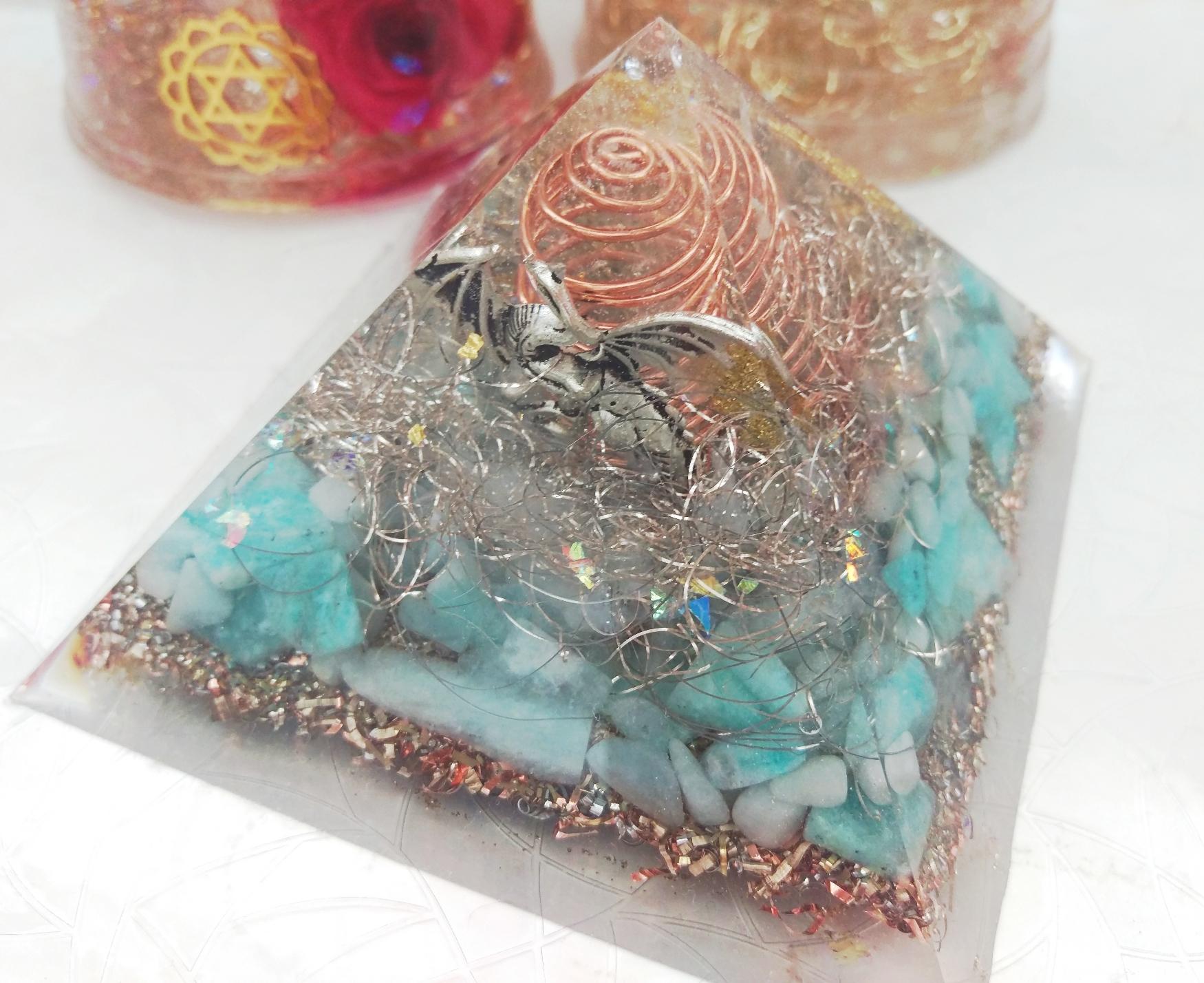 ピラミッドオルゴナイト(黄金比)