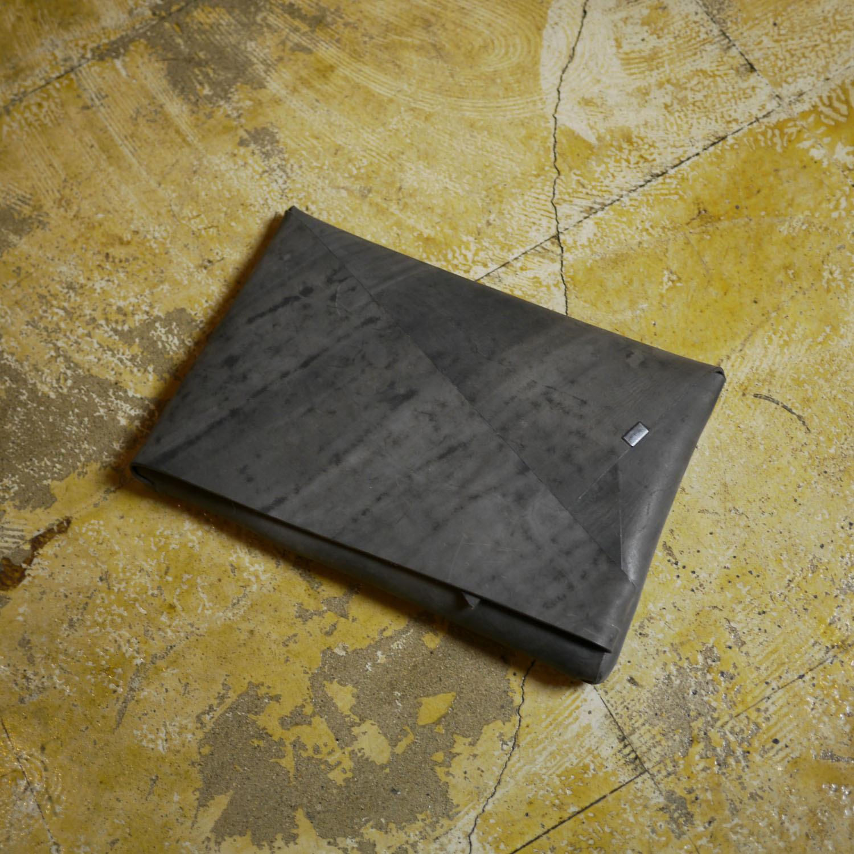 スモーキングレー クラッチバッグ for iPad (Sサイズ)