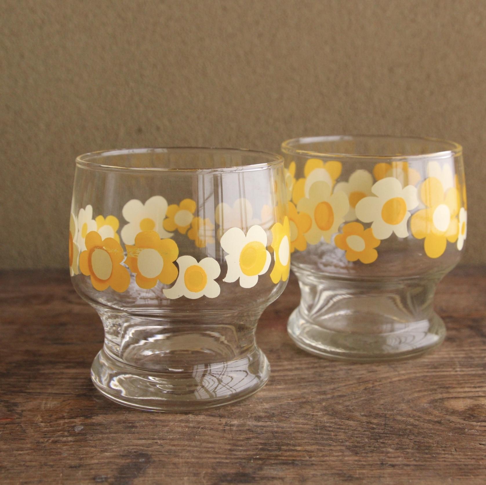 レトロな花柄グラス 2個セット