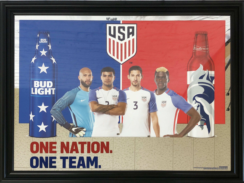 品番0092 パブミラー 『BUD LIGHT  ONE NATION  ONE TEAM(バドライト ワン ネイション ワンチーム)』 壁掛 アート ディスプレイ アメリカン雑貨