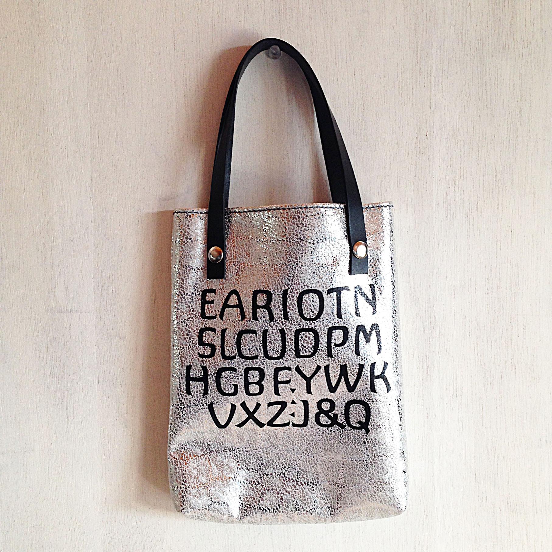 Acorn bag(レザーバッグ)