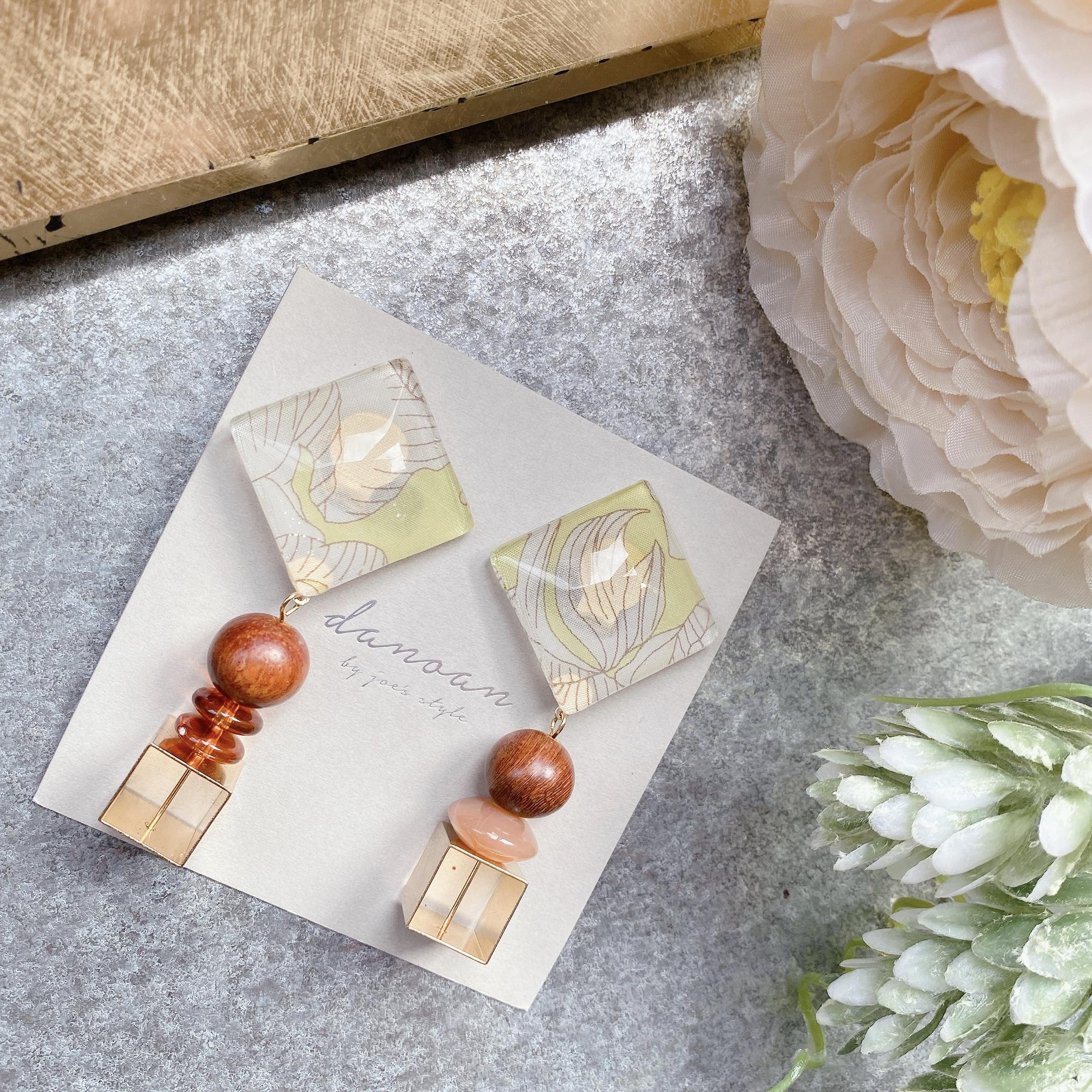 """ Earrings NO.danoan-105″ リバティとウッドビーズ"