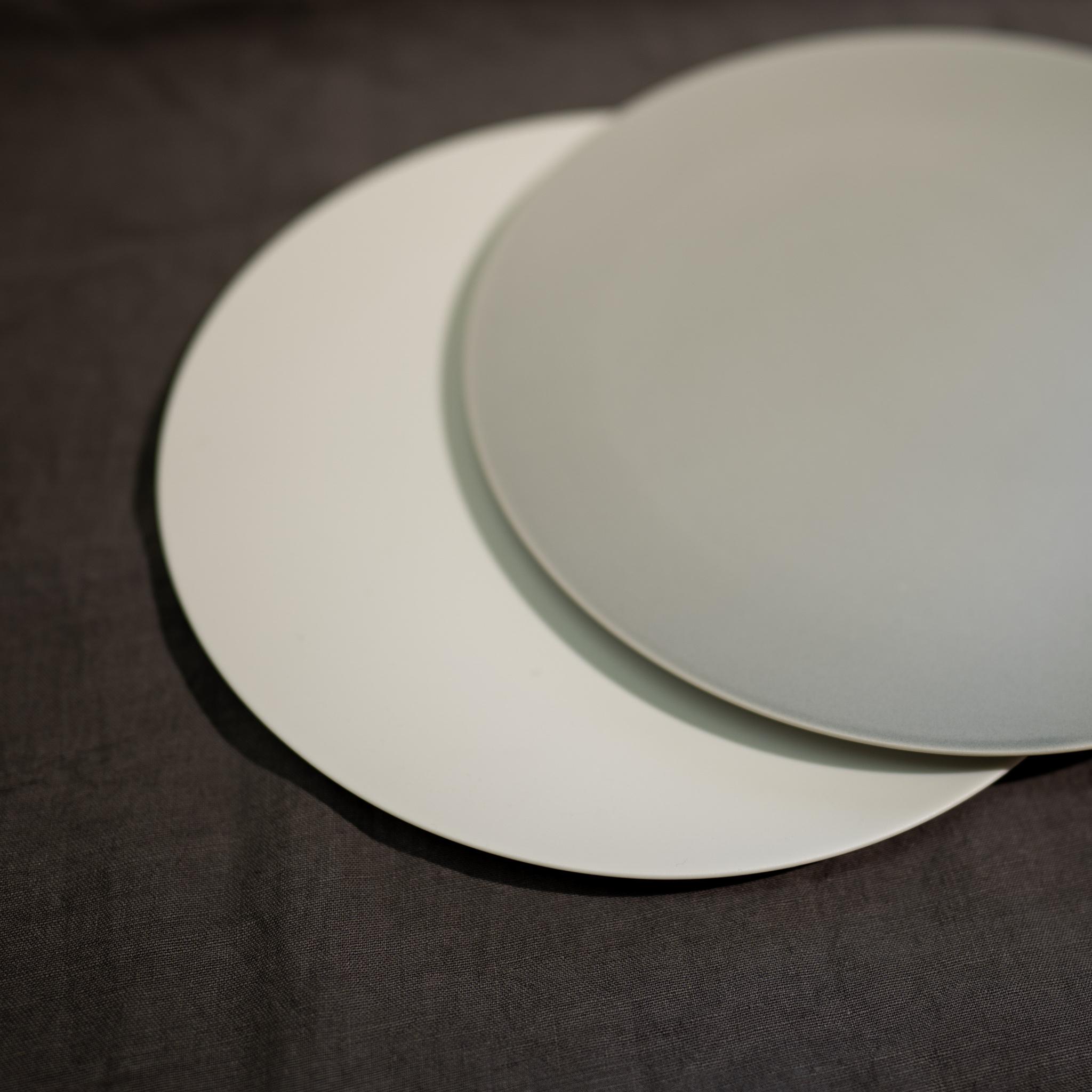 Stone プレート リッチグレー/リッチホワイト 23cm