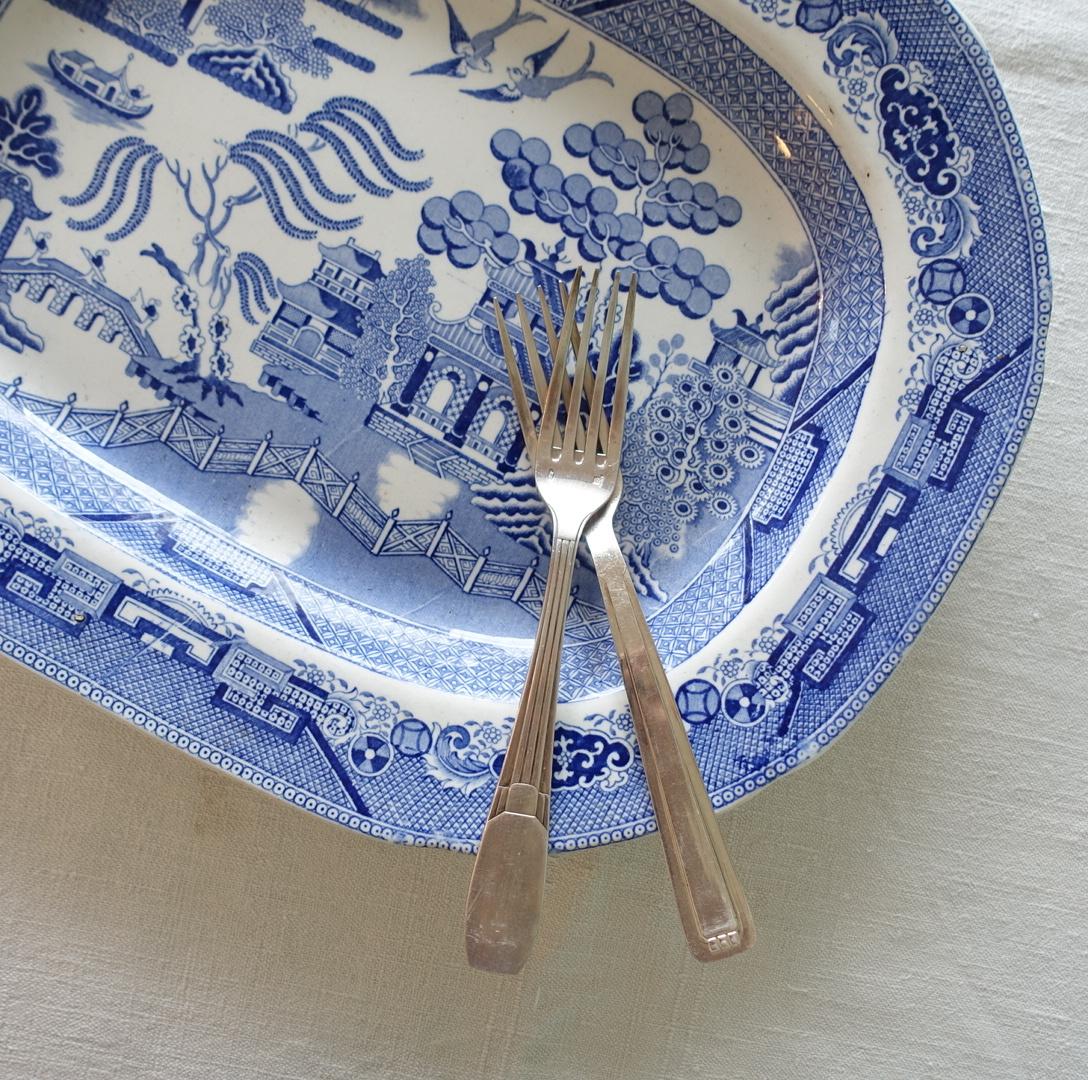 ウィロー柄のオーバル皿