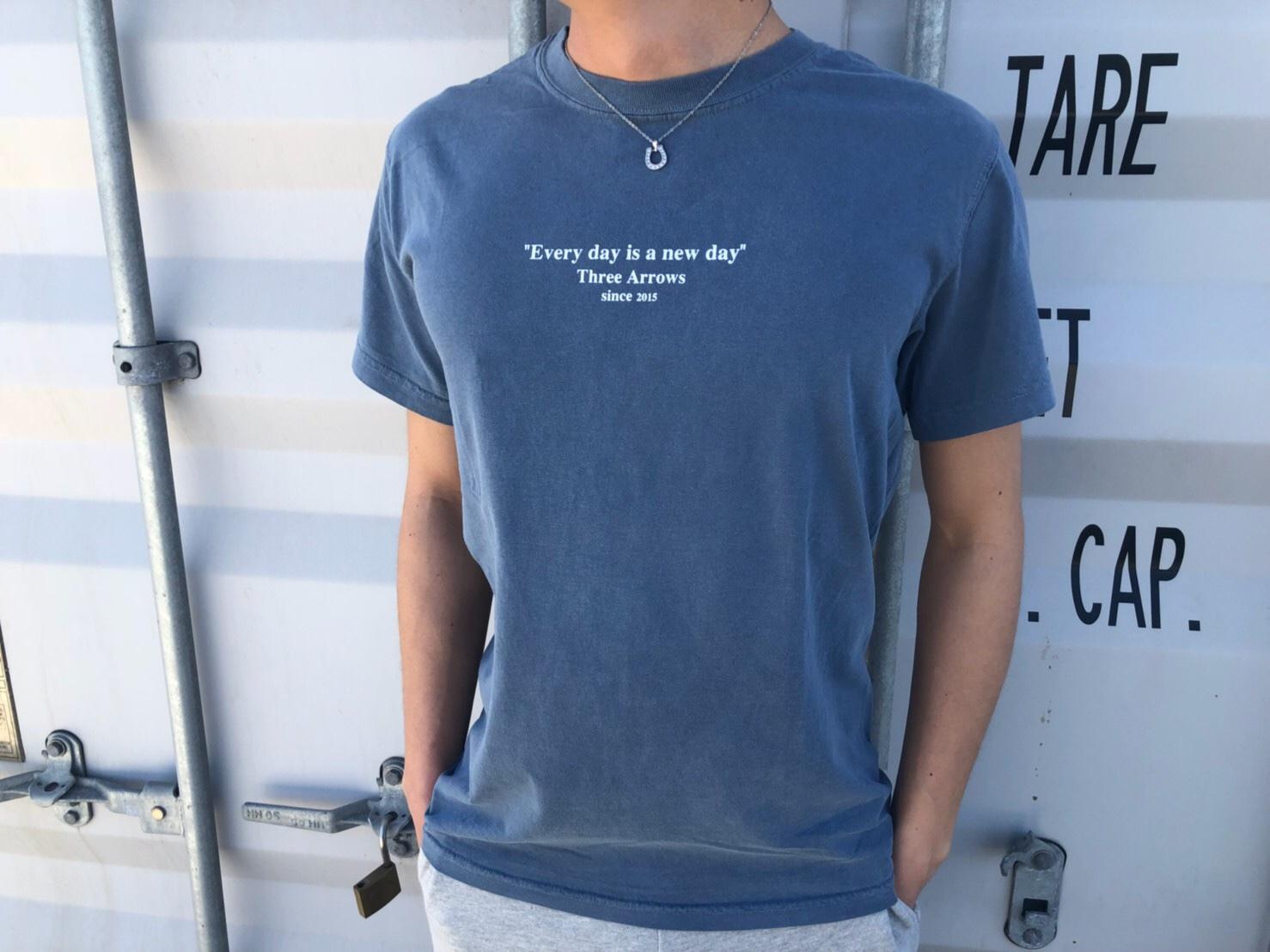 ThreeArrows Message Tシャツ(vintage blue)