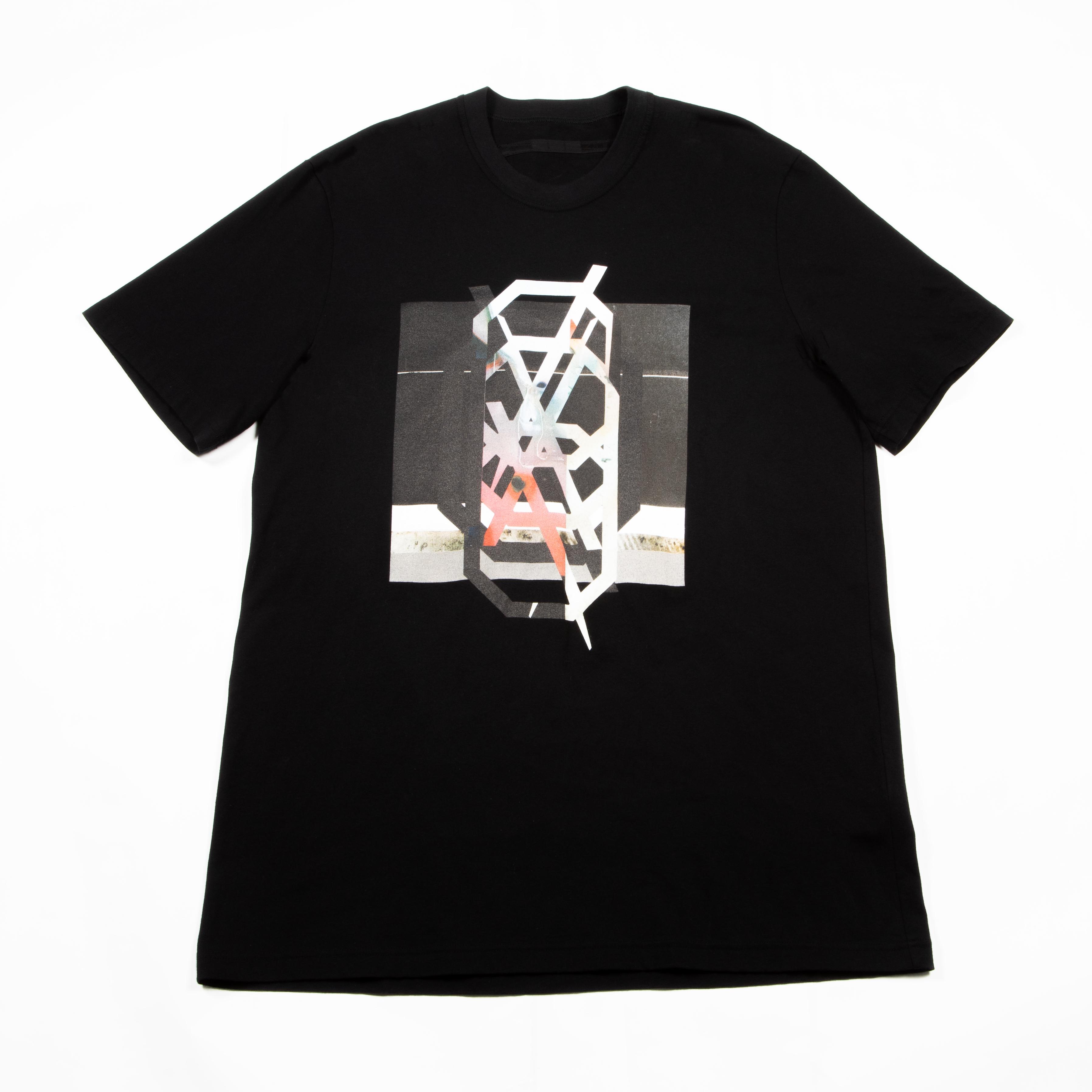 [ 2021 春夏 予約商品 ] 740CPM3-BLACK / NILøS プリント Tシャツ ver.3 / 1月入荷予定
