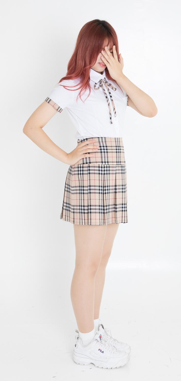【レンタル3泊4日】ベージュチェックシャツ&スカート【上下セット・ネクタイ1本無料】