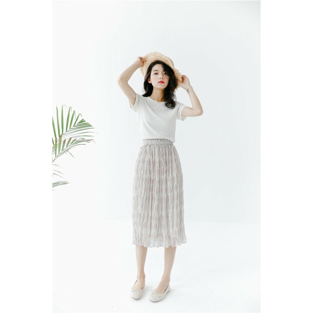 【送料無料】シフォン プリーツ 木の葉模様 ミドル丈 スカート B19052601