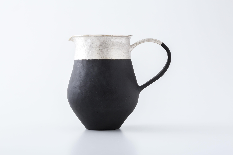 ピッチャー:黒(銀彩・ツートン) / 中囿義光