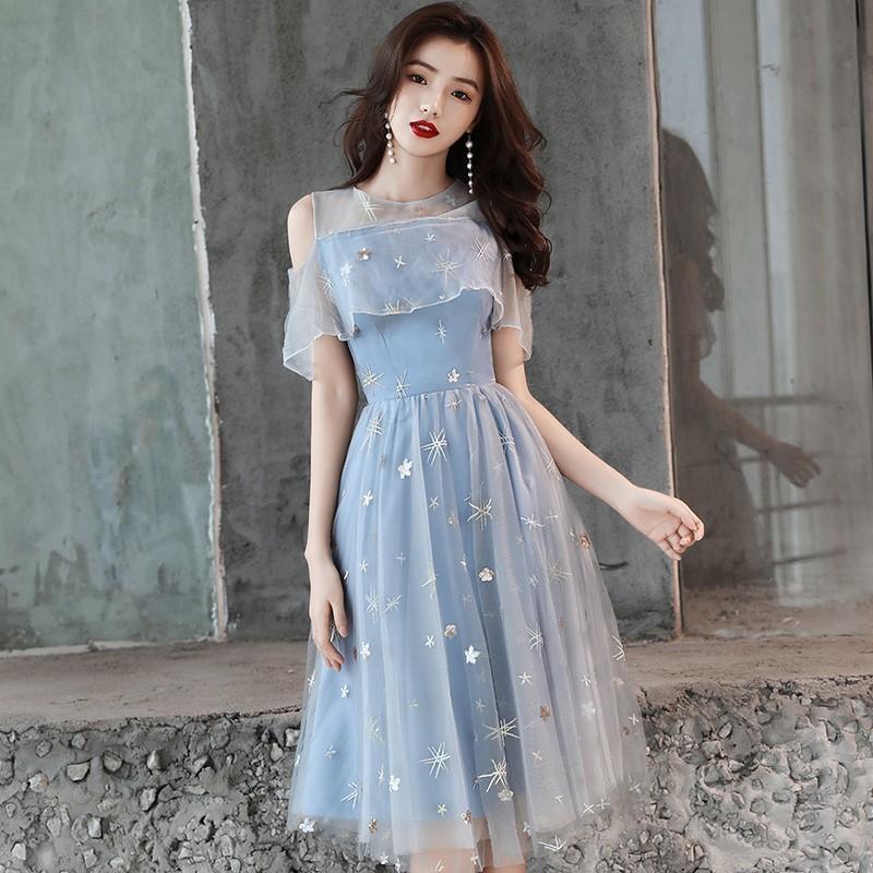 6bfb656c29d82 チュールのフリルが軽やかな ドレス 爽やかな ライトブルー 上品 清楚に デート パーティー 結婚式 二次会 お呼ばれ N169