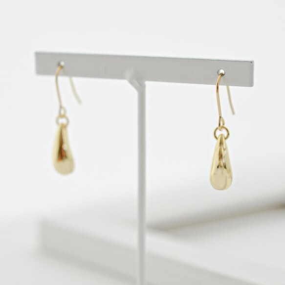 Teardrop gold pierces/earrings