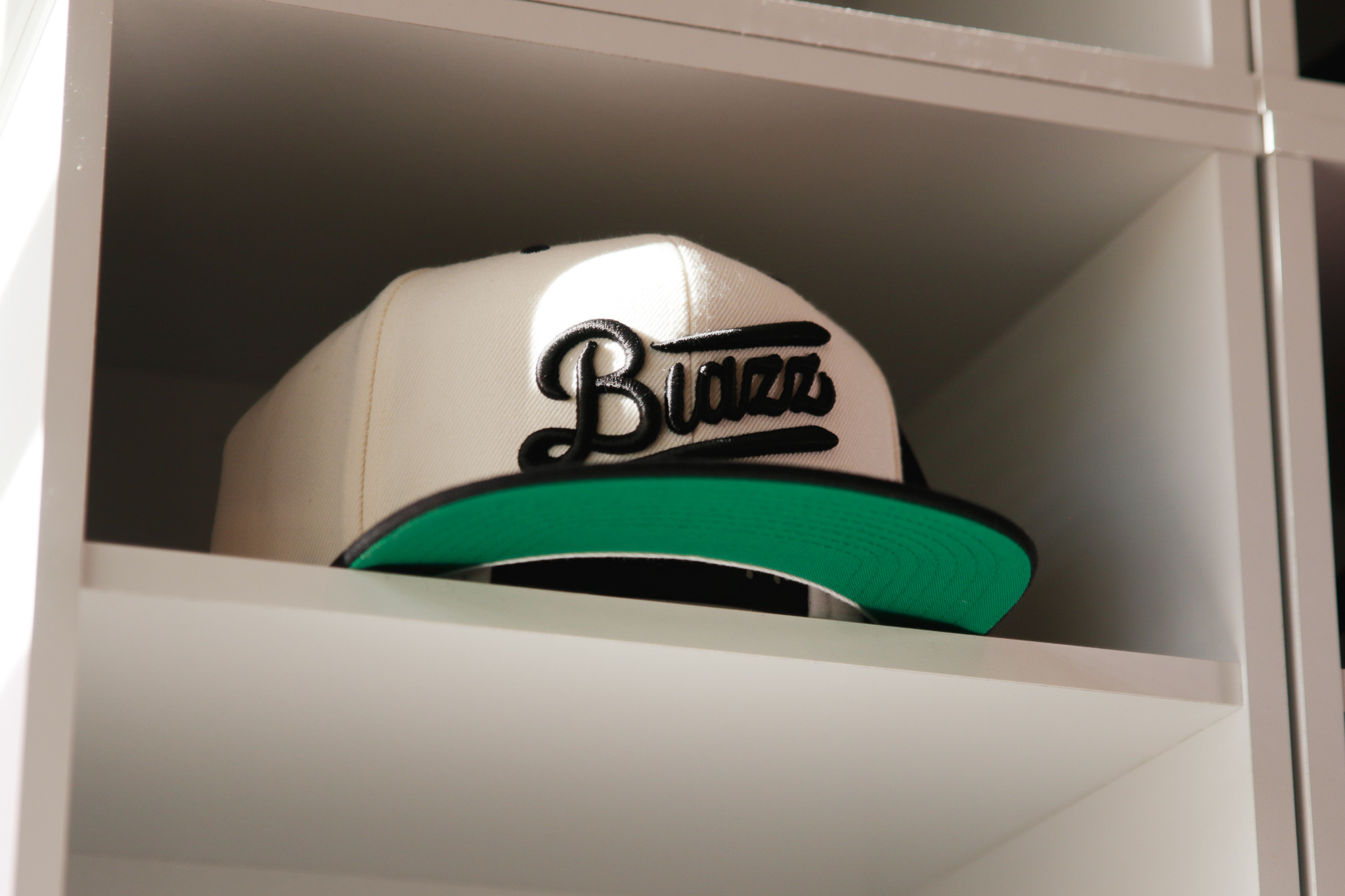 Blunt's Blazz B.B CAP 2020 [WHITE / BLACK]