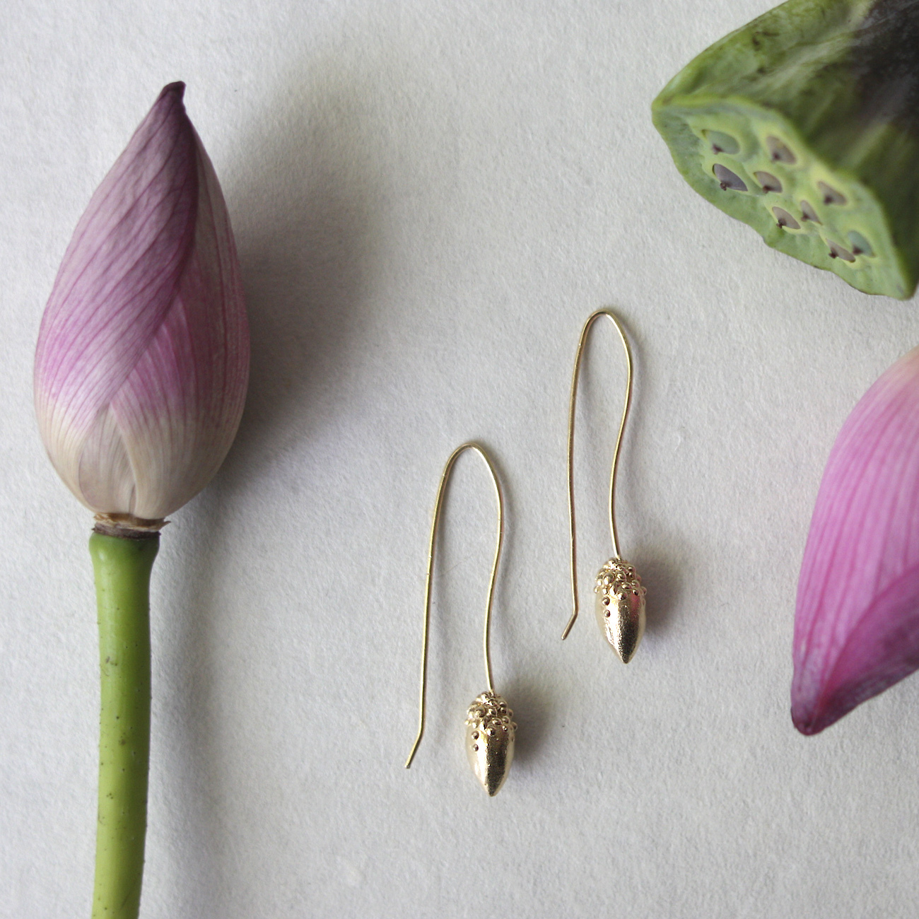 lotus bud ピアス -gold-