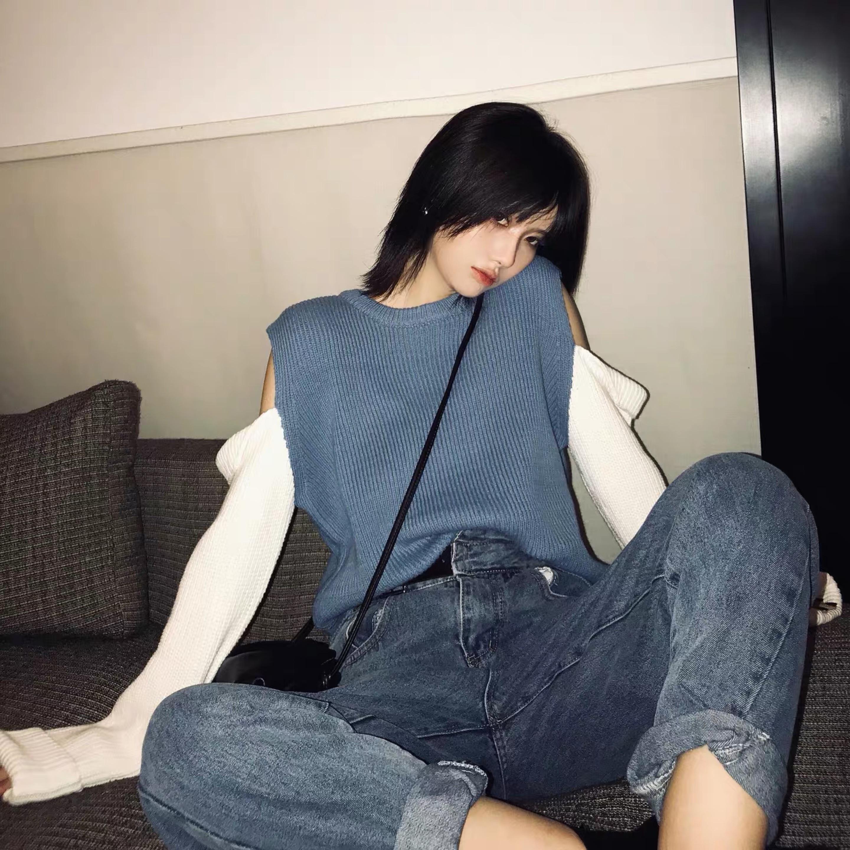 cut color shoulder knit