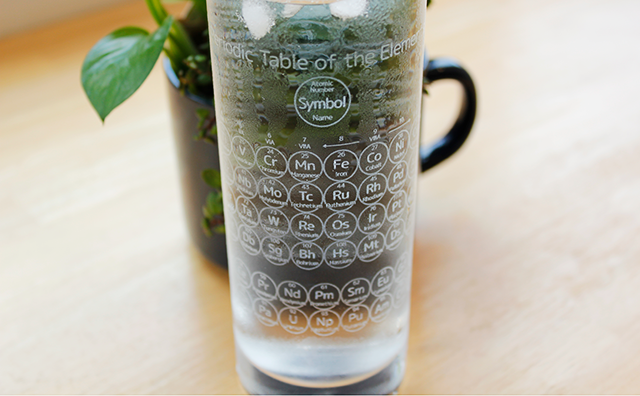 glass / 元素周期表グラスのイメージ画像