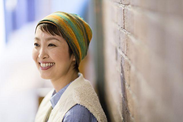 【送料無料】こころが軽くなるニット帽子amuamu|新潟の老舗ニットメーカーが考案した抗がん治療中の脱毛ストレスを軽減する機能性と豊富なデザイン NB-6529|スウェディッシュガール - 画像1