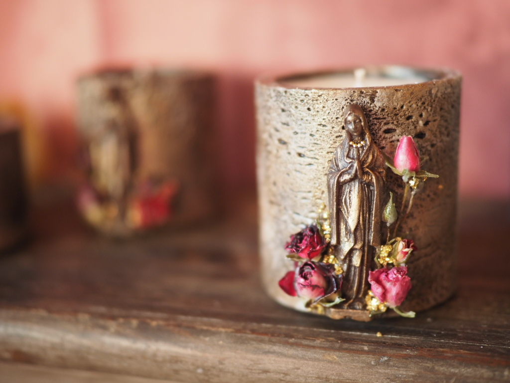 Vintage maria candle 3